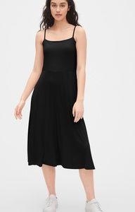 GAP - Fit & Flare Ribbed Cami Midi Dress/TrueBlk/M